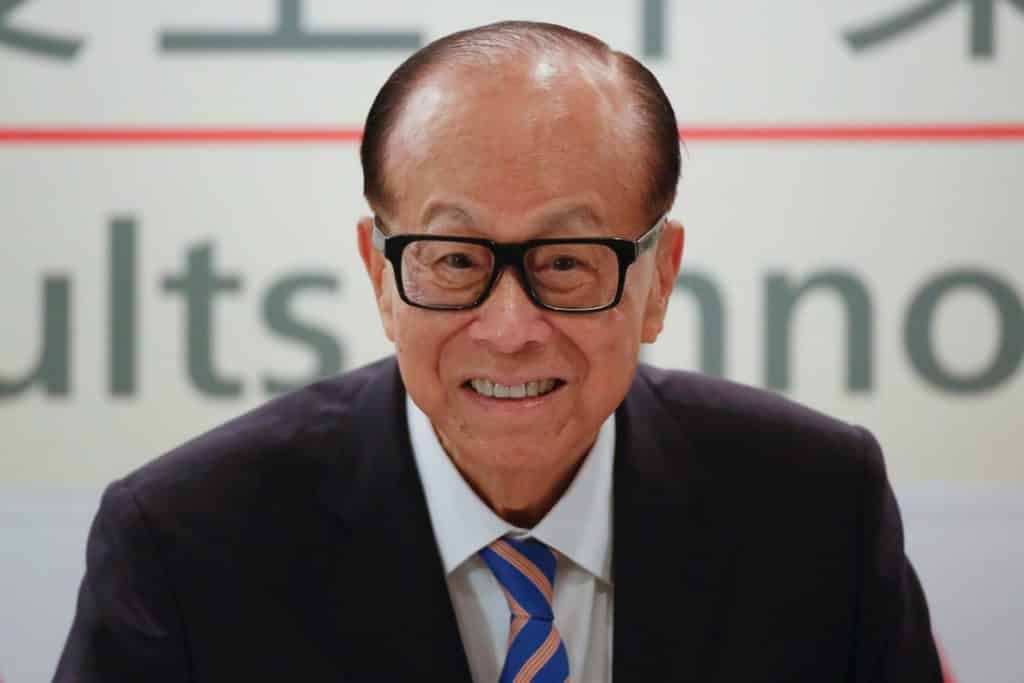 Li Ka-Shing drop out billionaire